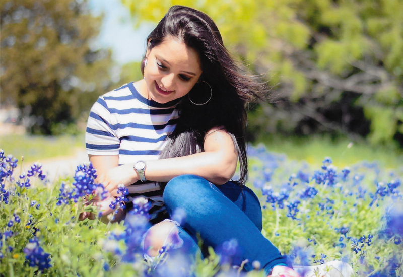 girl bluebonnets
